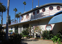 The portholes and Streamline Moderne ocean liner design are reminiscent of Robert V. Derrah's other Los Angeles landmark, the Coca-Cola building downtown.